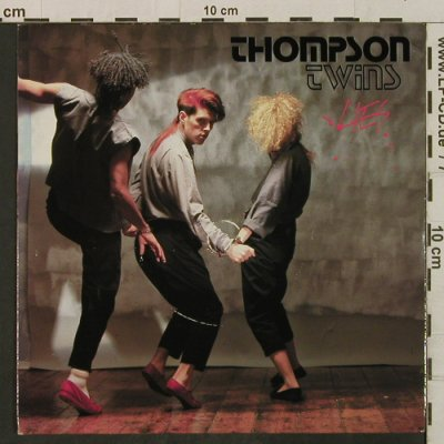 Thompson Twins: Lies / Beach Culture, Arista(ARIST 486), UK, 1982 - 7inch - T2269 - 1,50 Euro
